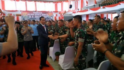 Dijanjikan Sejak Juli Lalu, Jokowi Pastikan Babinsa Terima Tunjangan Operasional Pekan Depan