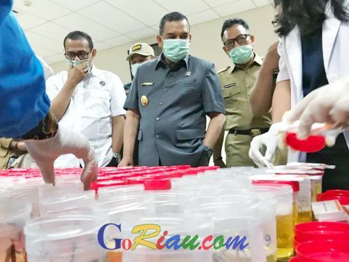 1.084 ASN dan Honor Pemprov Riau Tes Urine, Wagubri Edy Nasution: Terbukti, Pecat