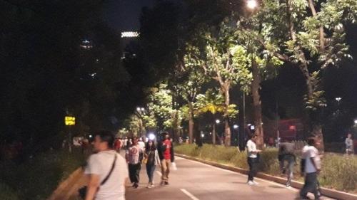 Ledakan Keras Getarkan Kawasan Gelora Bung Karno, Massa Pendukung Jokowi Bubarkan Diri