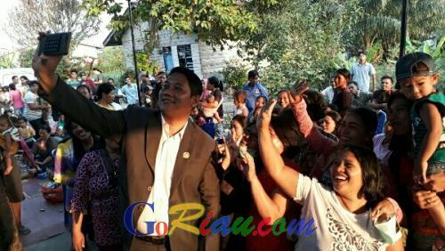 Membludak, Warga Hadiri Reses Anggota DPRD Pelalawan Andri Fransiscus