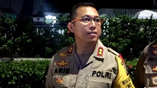 Tas Hitam Gegerkan Pendukung Jokowi yang Nobar di Rumah Aspirasi Rakyat 01, Ternyata Ini Isinya