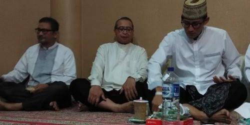 Sandiaga Uno Tahajjud, Sahur dan Subuh Berjamaah di Masjid At-Taqwa