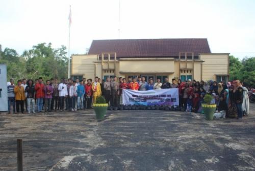 Peduli Terhadap Sesama, Panitia Ramadhan Berbagi ke-4 Bagi-bagi Sembako di Desa Insit