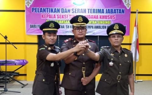 Yendri Pindah ke Cirebon, Gempa Awaljon Jabat Kasi Pidsus Kejari Kuansing