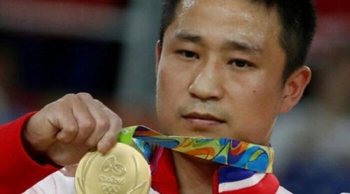 Raih Emas Olimpiade, Atlet Korea Utara Ini Malah Perlihatkan Raut Wajah Sedih