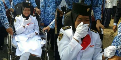 Kakinya Diamputasi karena Ditabrak Truk Saat Latihan Baris-berbaris, Siswi Anggota Paskibra Ini Tetap Semangat Ikuti Upacara HUT RI Gunakan Kursi Roda
