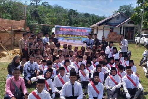 Semangat HUT RI ke-74, SMPN 3 XIII Koto Kampar Bertekad Tuntaskan Pembangunan Kolam Renang