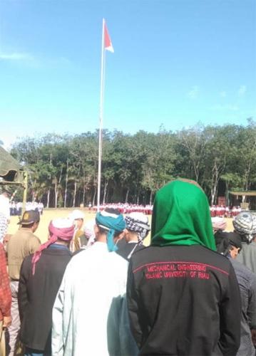 Tak Mau Kalah dengan yang Berpakaian Dinas dan Seragam, Jamaah Suluk di Riau Juga Peringati HUT RI Meski Pakai Jubah