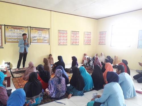 Mahasiswa Kukerta Unri Berikan Penyuluhan Penyakit Asam Urat dan Cek Kesehatan Gratis di Desa Buatan I Siak