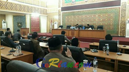 DPRD Pelalawan Umumkan Nama Calon Pimpinan Definitif dan Anggota Fraksi