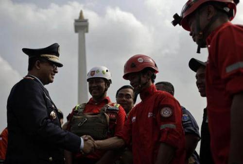 Anies Baswedan Kirim 65 Pegawai DKI Bantu Penanganan Karhutla di Riau