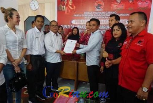 Cutra Andika Daftar Sebagai Bacalon Bupati Rohil ke DPC PDIP