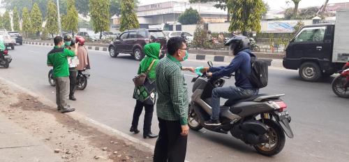 PPP Riau Bagi-bagikan 10.000 Masker Gratis