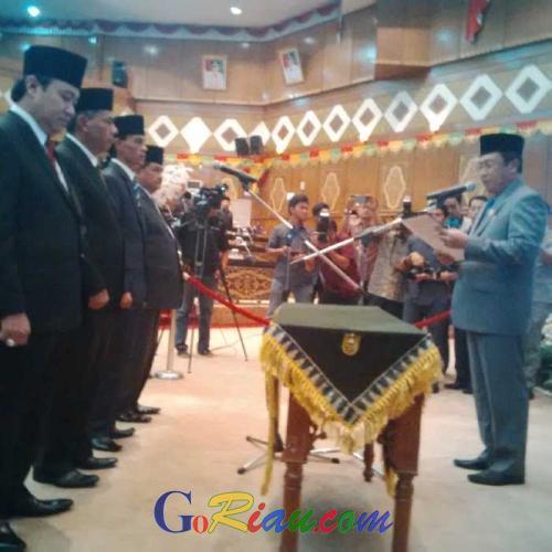 Empat Wajah Baru PAW Anggota DPRD Riau Periode 2014-2019 Resmi Dilantik