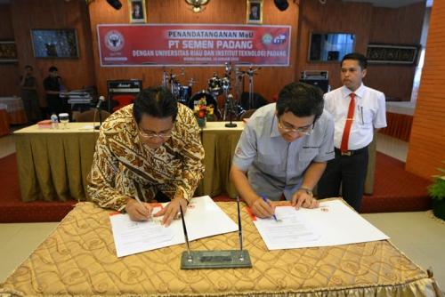 Universitas Riau Sinergikan Penguatan Berbagai Pengembangan Bidang Pendidikan dengan PT Semen Padang