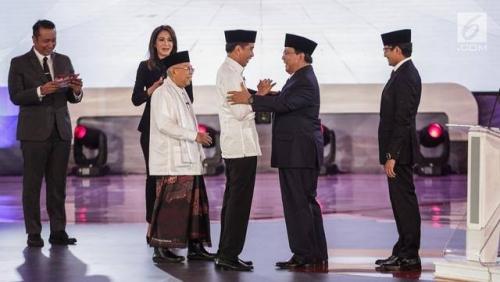 Pijatan Sandi Hentikan Joget Prabowo Saat Debat Capres