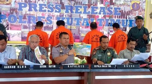Pembantai Orangutan dengan 130 Peluru Diringkus Polisi