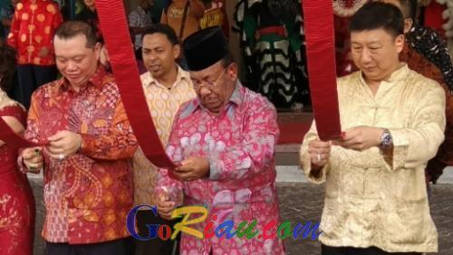 Ribuan Masyarakat Tionghoa Ikuti Puncak Perayaan Imlek Bersama 2018 di Hotel Furaya Pekanbaru