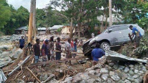 Korban Tewas Akibat Banjir Bandang di Sentani Sudah 81 Orang, Satu Distrik Belum Terjangkau Tim SAR