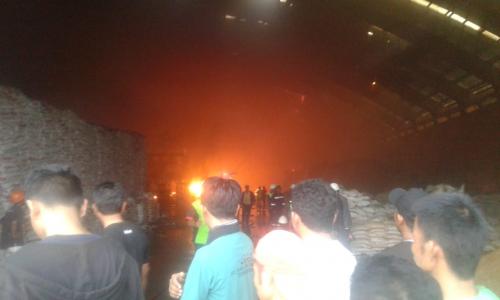 Konsleting Listrik Diduga Jadi Penyebab Terbakarnya Gudang Pupuk PT HABI di Perawang