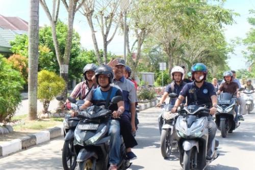 Gunakan Sepeda Motor, Wabup Inhil Patroli ke TPS di Tembilahan dan Tembilahan Hulu