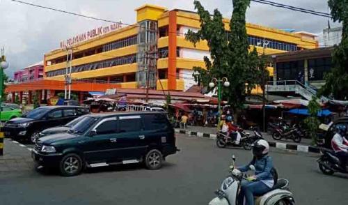 17 Pedagang Pasar Raya Padang Positif Corona, 3 Wafat
