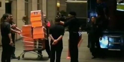 Polisi Geledah Kediaman Najib Razak, 52 Tas Mewah dan Uang Tunai Disita