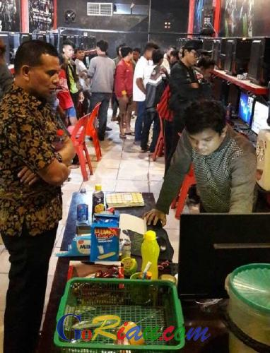 Polisi di Pekanbaru Bubarkan Puluhan Bocah Ingusan yang Kedapatan Ngewarnet Hingga Dini Hari