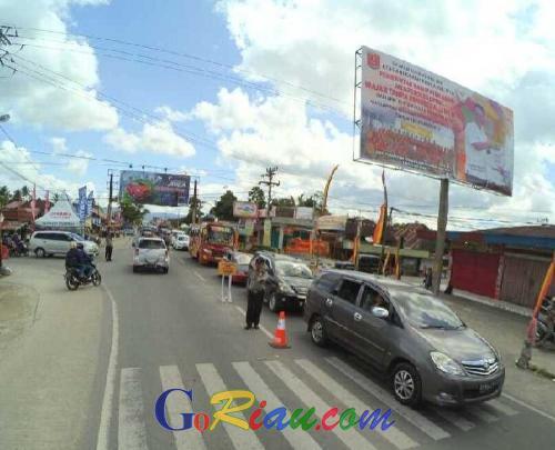 Alat Berat Disiagakan Antisipasi Longsor, Volume Kendaraan di Jalur Mudik Riau - Sumbar Diprediksi Meningkat Pada H-3 Lebaran