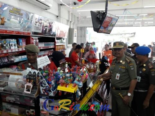 Pegawai Alfamart di Dumai Tidak Diberitahukan Soal Penyegelan, Kasatpol PP: Mau Protes Silahkan