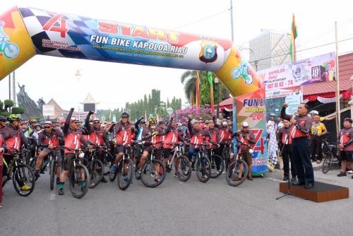 Meriahkan HUT RI ke-74, Polda Riau Gelar Fun Bike bersama Masyarakat untuk Membangun Persatuan
