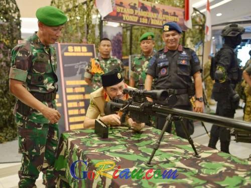 Gubri Mencoba Jadi Sniper, Syamsuar: Percayakan Pertahanan Negara kepada TNI/Polri
