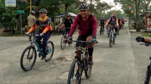 Kayuh Sepeda Keliling Tembilahan, Cara Dandim 0314 Inhil Peringati HUT Kemerdekaan RI