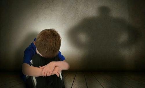 Menangis, Bocah 4 Tahun Tewas Dicekik Pengasuh