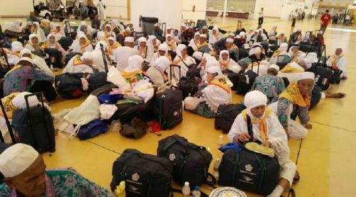Jamaah Haji Indonesia Menunggu 10 Jam di Bandara Jeddah Sebelum Diterbangkan ke Tanah Air, Dikhawatirkan Dehidrasi
