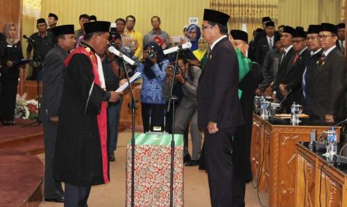 Abdul Kadir Resmi Pimpin DPRD Bengkalis