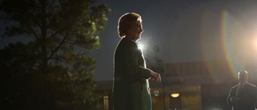 Stres karena Kalah dari Trump, Hillary Clinton Ngaku Meringkuk dan Ogah Keluar Rumah