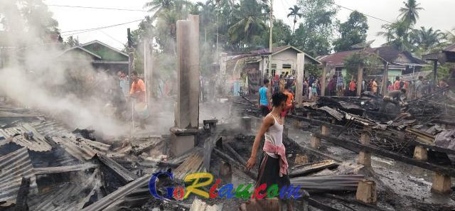 Kebakaran Hanguskan Lima Rumah Warga Bagan Punak Rohil