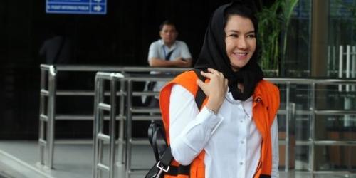 Bupati Kukar Rita Widyasari Sebut Biasa Saja Perempuan Miliki Banyak Tas Mewah