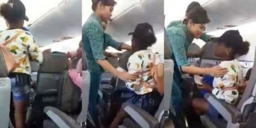 Gadis Remaja Menangis Histeris Minta Turun Saat Pesawat Mengudara Menuju Sorong