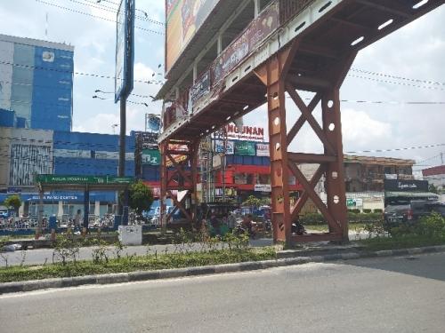 DPRD Pekanbaru Pertanyakan Manfaat dan Izin JPO Tidak Bertangga