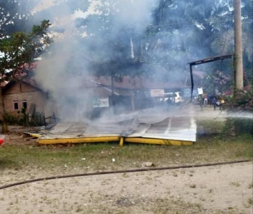 Buntut Tewasnya Warga Jake Kuansing, Satu Warung Dibakar