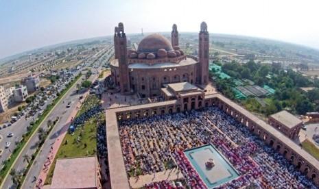 Sepekan Jelang Ramadhan, Pakistan Cabut Larangan Shalat Berjamaah di Masjid