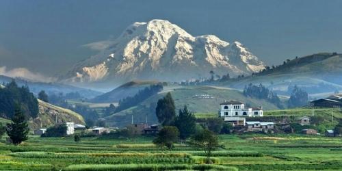 Ternyata Bukan Gunung Everest Tertinggi di Dunia, Melainkan Ini