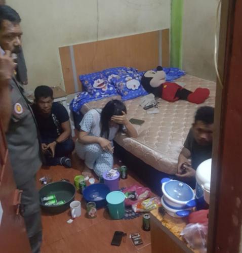 Dilarang Ngumpul Malah Pesta Miras, 4 Pemuda Diangkut Satpol PP Meranti