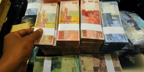 Ingat! Bawa Uang Tunai Rp100 Juta atau Lebih Didenda Rp300 Juta