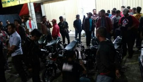 Heroik, Tukang Bubur Nekat Hadang Geng Motor Pakai Gerobak untuk Selamatkan Nyawa Sejumlah Remaja