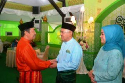 Lebaran ke-2, Bupati dan Wakil Bupati Siak Kunjungi Kediaman Plt Gubri