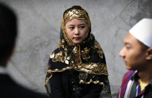 Di Tengah Ancaman Aparat Keamanan China, Muslim Uighur Tetap Semangat Rayakan Lebaran