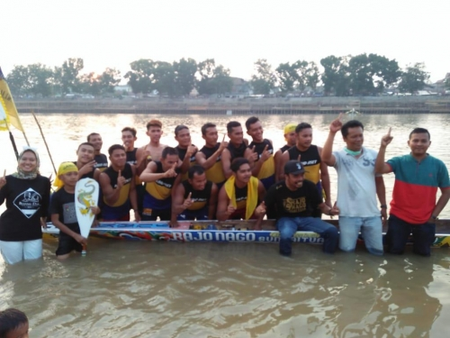 <em>Rajo Nago Sungai Tuak Aset Kuansing</em> Juara Pacu Jalur Mini Tahun 2019; Dendam Setahun, Penantian Delapan Tahun